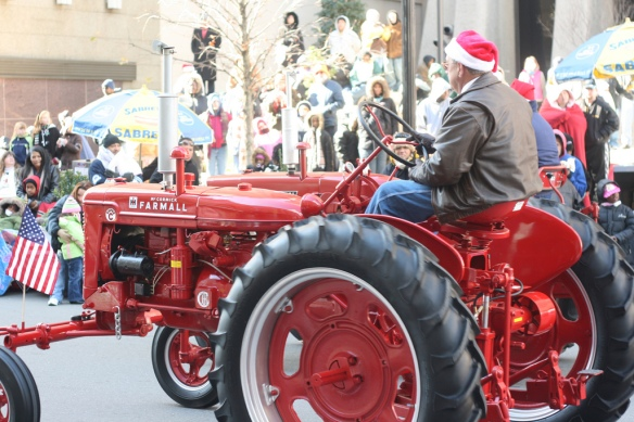 Raleigh Christmas Parade 2008 051 by Anodoin, used under the  CC-BY license